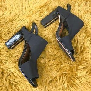 Donald J Pilner black strapy heel sz 6